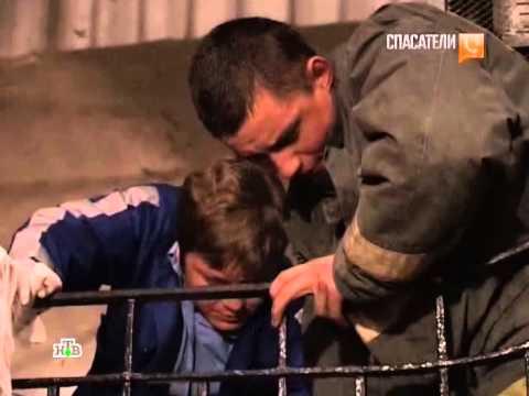 Видео как лифт упал в шахту