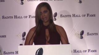 Racquel Smith speaks at Will Smith's Saints Hall of Fame induction