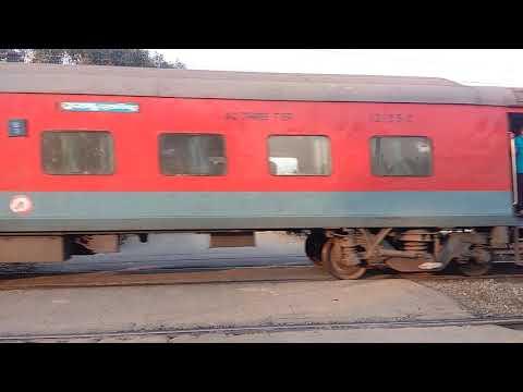12802- purshottam express delayed by 3:35 hrs in Gaya station
