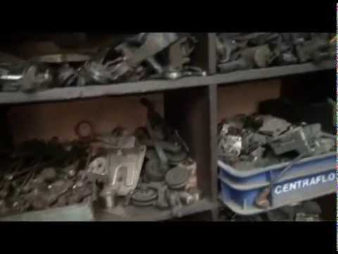 Nostalgie visite d 39 un vieux garage automobile doovi for Garage auto goussainville