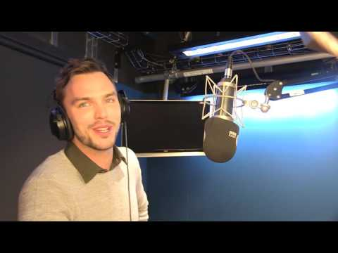 Nicholas Hoult plays the Good Afternoon Game