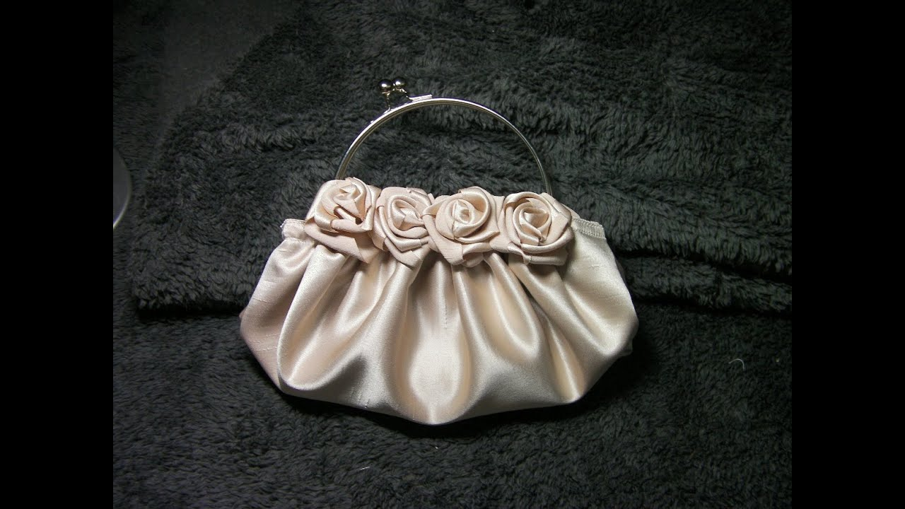 211a802d5 DIY COMO HACER UN BOLSO DE ROSAS EN RASO BEIGE - HOW TO MAKE A ROSE SATIN  BEIGE PURSE