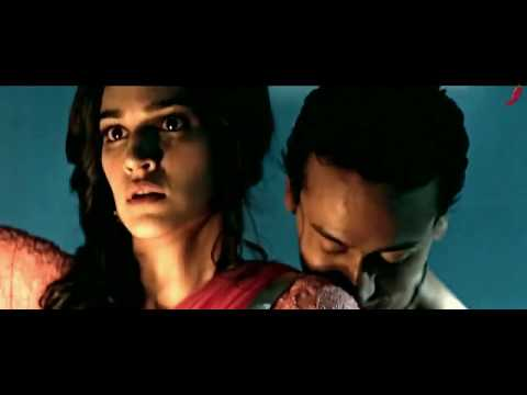 Kriti Sanon hot navel touch by tiger tiger shroff thumbnail