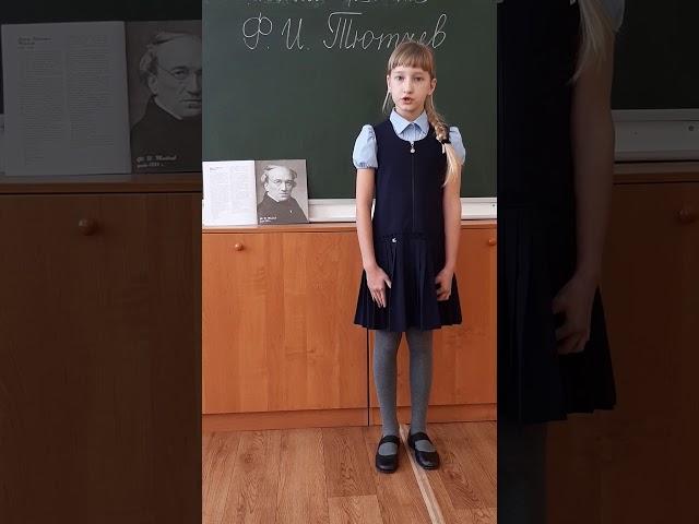 Изображение предпросмотра прочтения – ВарвараАкулова читает произведение «Чародейкою Зимою…» Ф.И.Тютчева