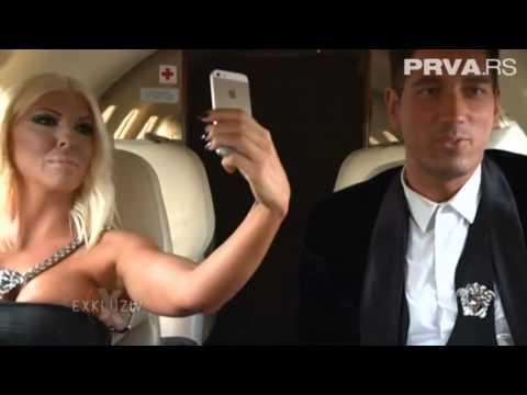 Exkluziv 25.8.2014 // Karleuša privatnima avionom na #20thSFF