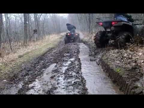 Polaris Sportsman 500 HO & 700 EFI Trail Riding & Mudding Off Road
