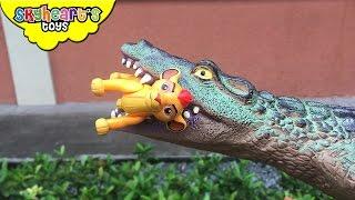CROCODILE ATTACKS Lion Guard Pride Lands - Kion Brawlers Disney Lion Guard toys for kids playtime