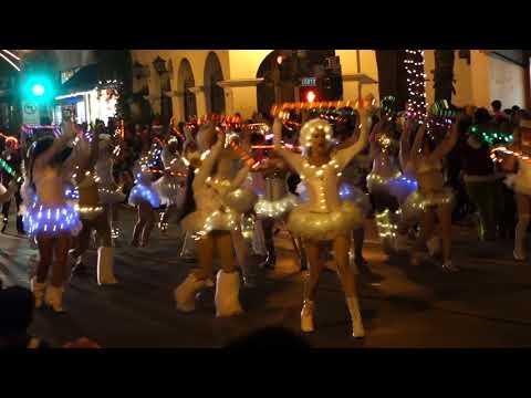 La Boheme at Santa Barbara Holiday Parade 20171201 124