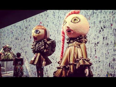 Viktor & Rolf - Fashion Meets Art