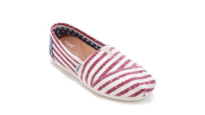 TOMS Classic Americana Slip-On Shoe TbOp7