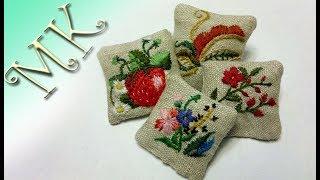 Подушки для куклы/Миниатюра/Подушечки для кукольного дома с вышивкой/Anisa-Творческие МАСТЕР КЛАССЫ