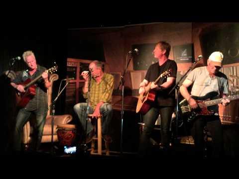 "Vinyl Radio - Cover Dave Mason's ""We Just Disagree"" @ Douglas Corner Cafe in Nashville 8.27.15"