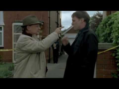 (Smoking hot) Robert Glenister as DS Terry Reid