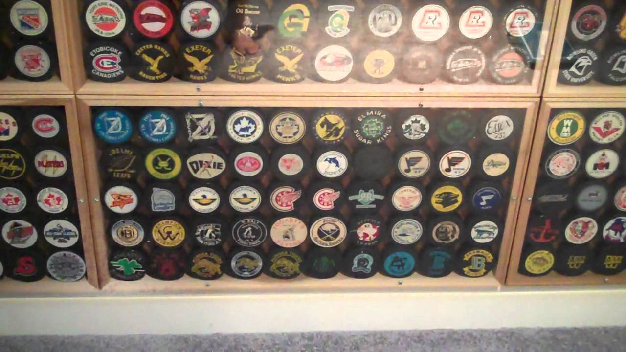 Ultimate Hockey Man Cave Rec Room Pucks Masks Games Arell
