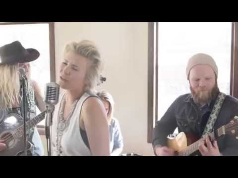 """#LSTNsessions - """"Kingdom of Sunshine"""" - Lisa Halling + The Pacific Public"""