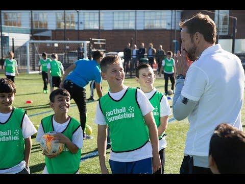 England Manager Gareth Southgate surprises unsuspecting pupils