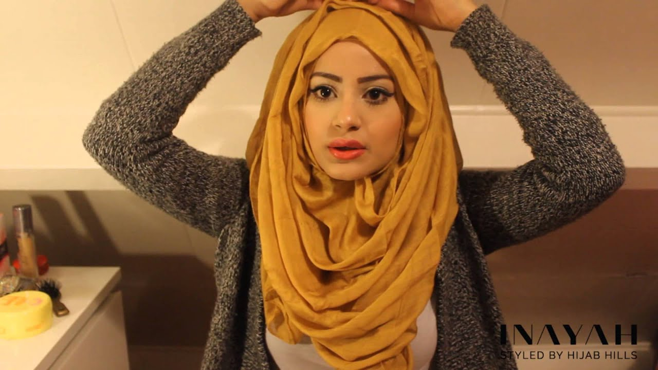 How to tie a shawl in a Muslim way