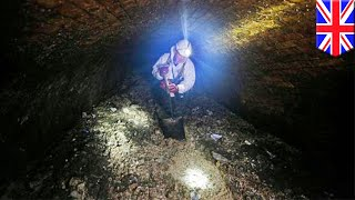 Fatberg blocking London sewer  130 ton mass of fat and garbage blocking sewer   TomoNews