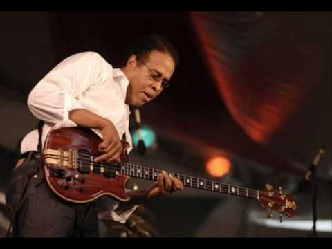Stanley Clarke - Just Cruzin' (for Wes Montgomery).wmv