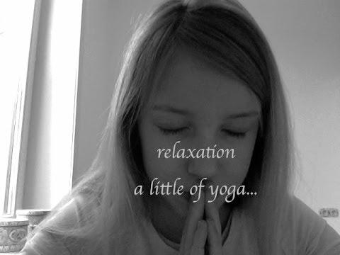 ASMR: relaxation for sleep, a little bit of yoga