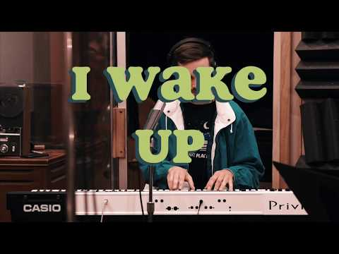 H. Luke Anderson – I Wake Up [Live at GFI Studios]