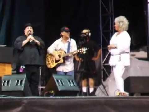 Tony Luke Jr and Paula Deen.mp4 streaming vf