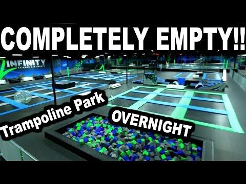 EMPTY TRAMPOLINE PARK!!! *Overnight Challenge*