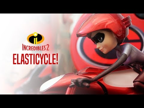 INCREDIBLES 2 ELASTICYCLE! | A Toy Insider Play by Play