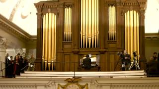 Adeste, fideles: Harvard University Choir's 12 Days of Carols