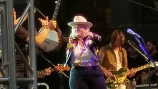 elle king baby im an outlaw live denver day of rock she promises to be on her worst behavior may18