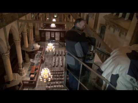 Restauratie orgel Oude Kerk Amsterdam: uitnemen snijwerk #4