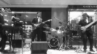 Derek Short Group - A View To A Kill (B&W Version) 12/07/2012 Hankyu : James Bond Skyfall Event