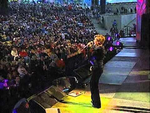 Martina McBride - Wild Angels (Live at Farm Aid 1998)