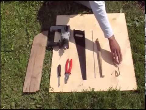 видео: Интересные идеи для дачи и дома своими руками. Самодельная защелка-фиксатор двери