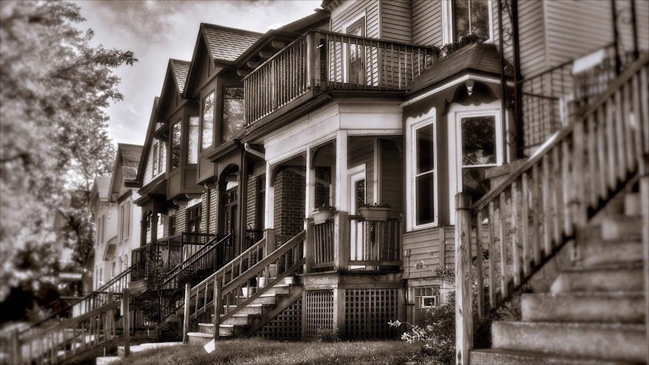 milwaukees brady street neighborhood - HD1600×900