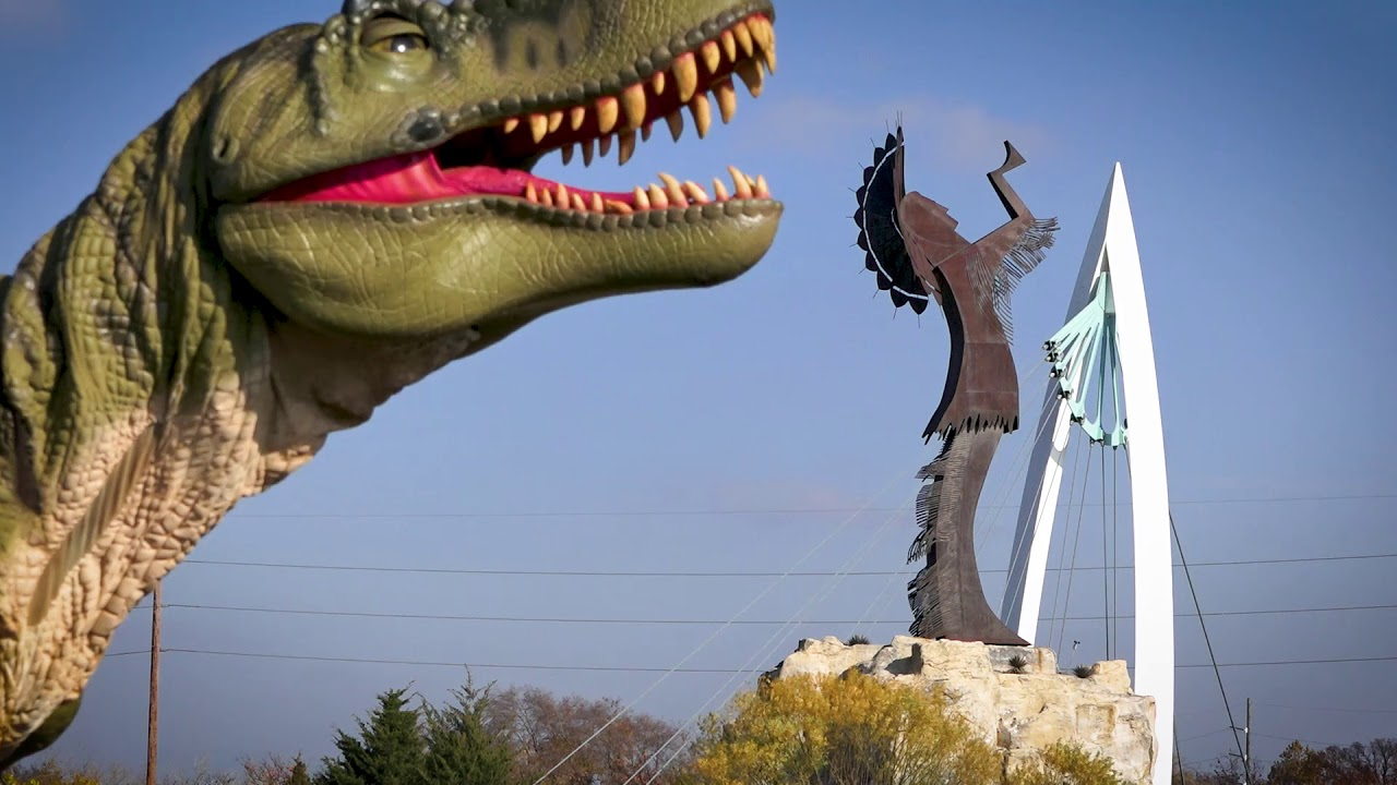 Field Station: Dinosaurs is Coming to Kansas in May, 2018!