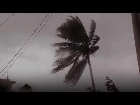 Hurricane Irma: Waves breach Cuba sea wall - BBC News