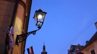 Кто поджигает фонари в Загребе? Вечерний Загреб(http://annaromanova.ru/rozhdestvenski... Посмотрев это видео, вы не только полюбуетесь вечерним Загребом, но и узнаете о поджи..., 2015-12-20T19:57:02.000Z)