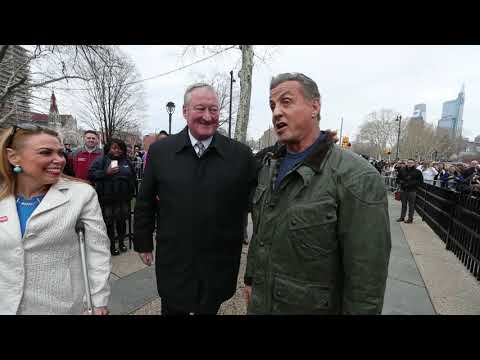 Sylvester Stallone visits the Rocky Statue to te Creed II
