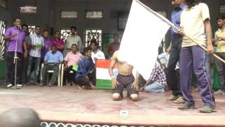 Sathish done by 142 knuckle push-ups limca world record