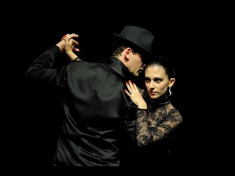 Fism  card manipulation  Kenris Murat & Aurelia ( The world greatest cabaret )