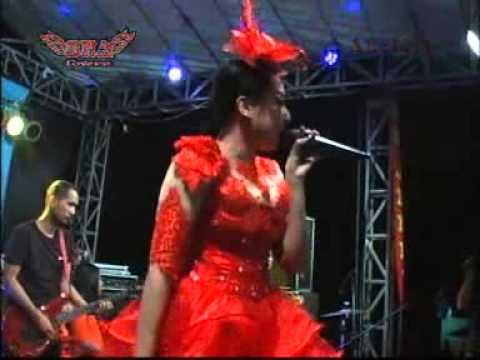 Klepek Klepek-Elsa Safira-New Abellia Live Kedamean Kendang Cak Met Live terbaru 2015