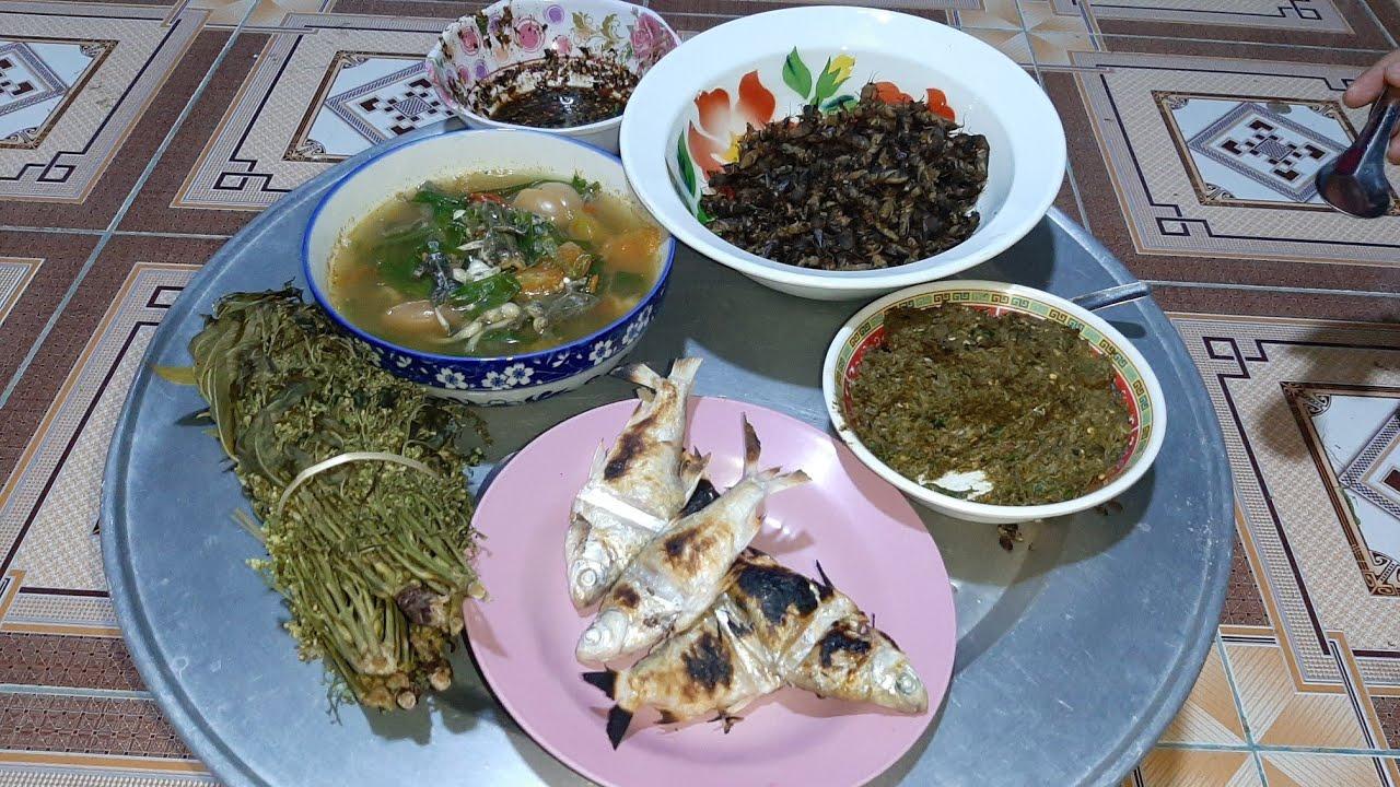 แกงเขียด ชุบดอกสัง ขั้วแมงชอน กินข้าวแลงนำกันเด้อจ้า