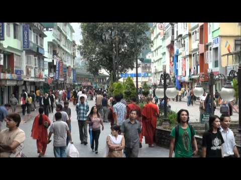 MG ROAD IN GANGTOK SIKKIM THE HAPPENING PLACE
