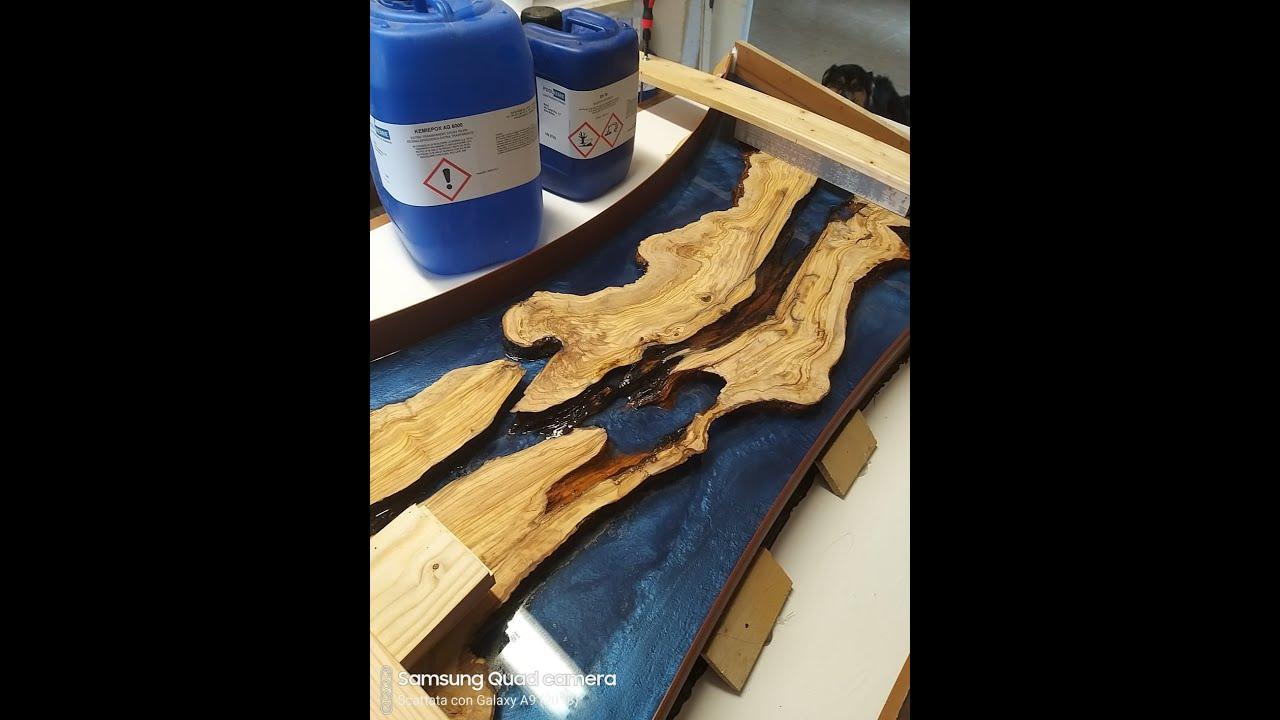 Tavolo Legno E Resina Prezzo resina epossidica colata su legno - lampada da parete - kemiepox #poolkemie