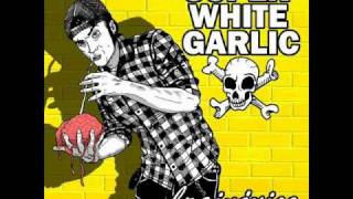 Super White Garlic - Hangin