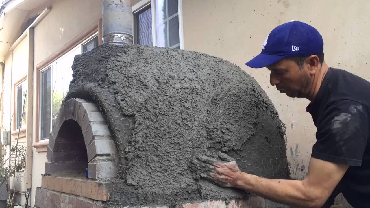 Covering A Pizza Oven With Stucco Perlite Youtube
