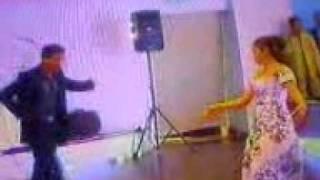 цыган танцует