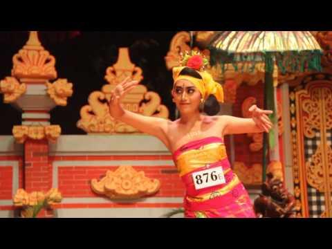 Tenun Dance by LKB Saraswati, Taman Ismail Marzuki, Jakarta (FULL HD)