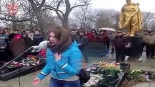 Украина Девушка сказала правду про Порошенко и гражданскую войну